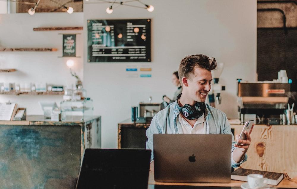 cafe laptop