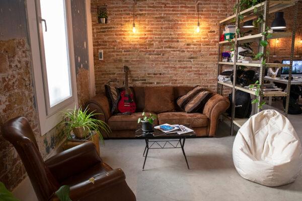 coworking-poblenou-eclektic-sofa-(1)